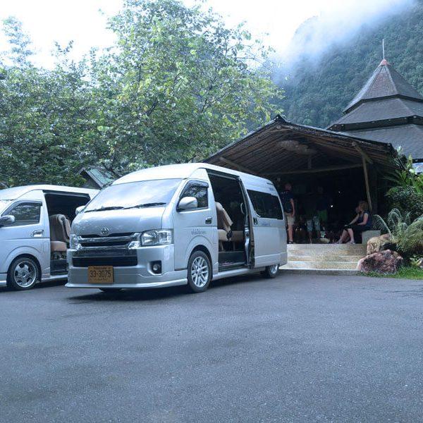 รถตู้เช่าสุราษฎร์ธานี บริการโดย Surat Vans